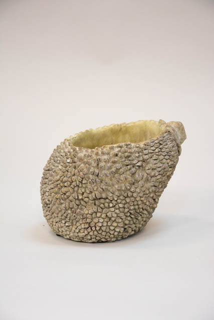 Unik urtepotteskjuler formet som en durianfrugt