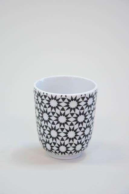 Krus uden hank - Hvid og sort mønster