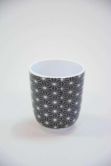 Krus uden hank - sort og hvid mønster
