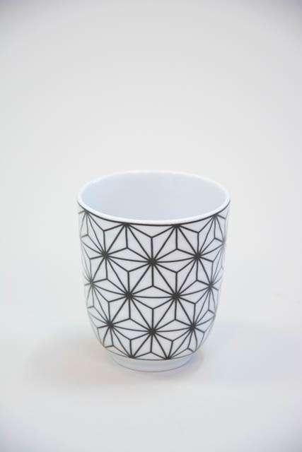 Krus uden hank - sort og hvid stjerne mønster