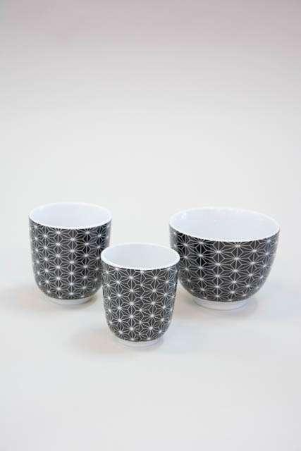 Morgenmadsskål med krus - sort og hvid stjerne mønster