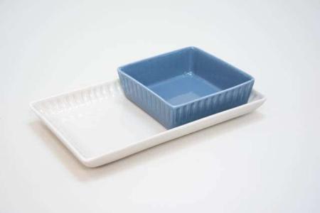 firkantet fad af porcelæn med riflet kant - grace