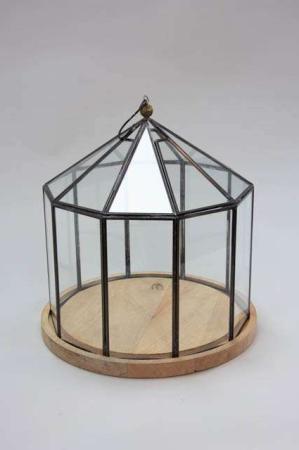 Otte kantet glasklokke med træbund