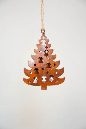 Juletræ med pynt - Juletræspynt i rust - Julepynt 2021