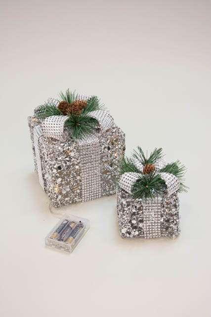 Pyntegave med LED lys - Julepynt 2021 - Pyntegave med sølvglimmer